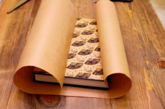DIY Wrapping Paper Clutch Bag 1