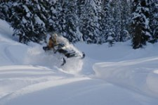 Wet N Wild Snowmobiling in Golden BC